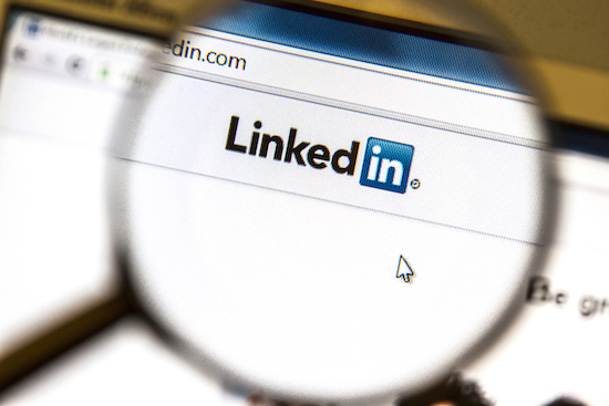 linkedin magnifying glass, marketing tips, linkedin marketers